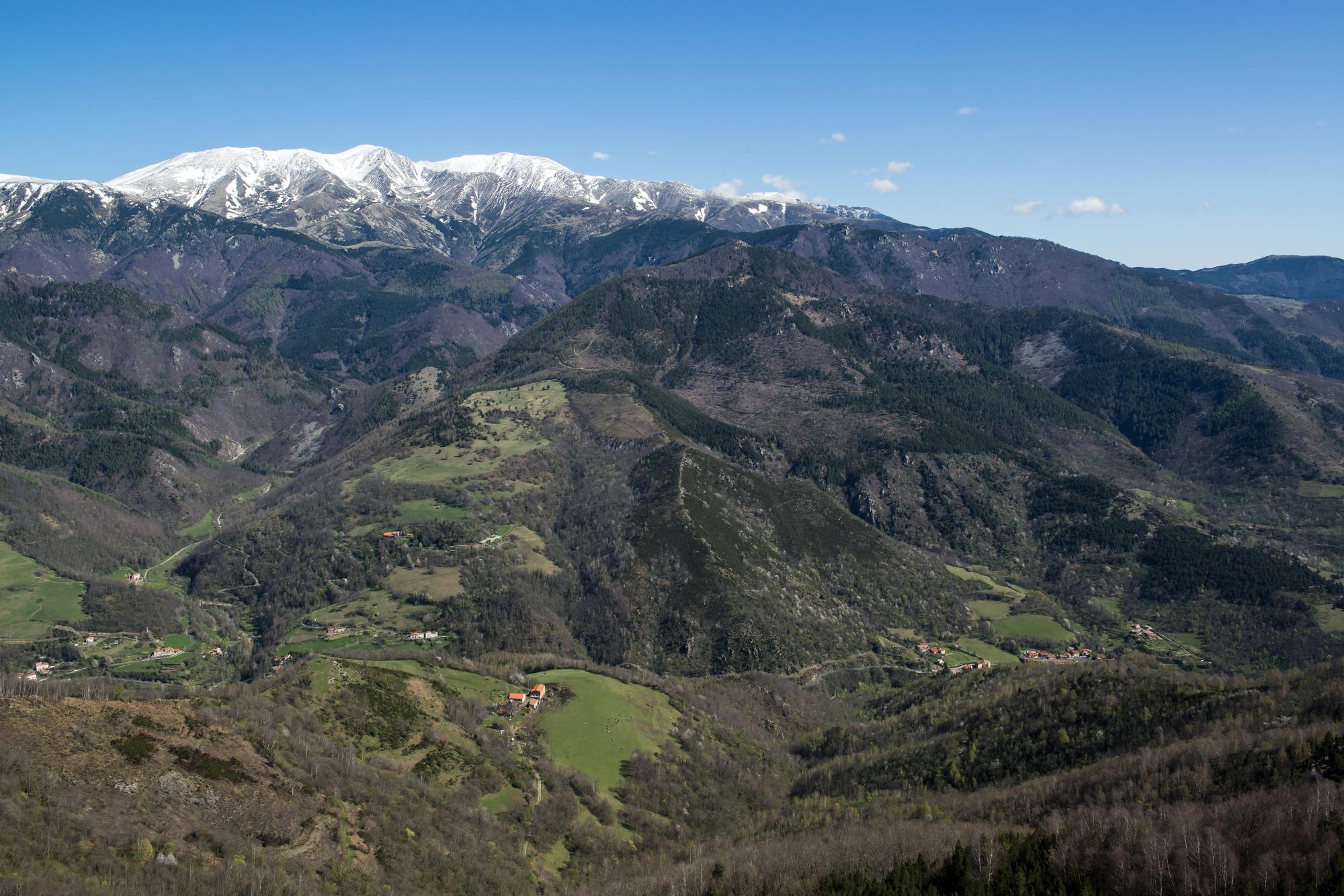Vue de la vallée du Tec / Michel CASTILLO-CD66
